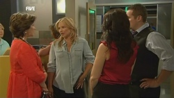 Lyn Scully, Steph Scully, Libby Kennedy, Toadie Rebecchi in Neighbours Episode 5907