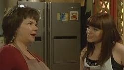 Lyn Scully, Summer Hoyland in Neighbours Episode 5908