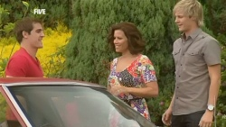 Kyle Canning, Rebecca Napier, Andrew Robinson in Neighbours Episode 5908