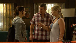 Libby Kennedy, Toadie Rebecchi, Steph Scully in Neighbours Episode 5912