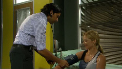 Doug Harris, Steph Scully in Neighbours Episode 5912
