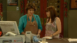 Lyn Scully, Summer Hoyland in Neighbours Episode 5913
