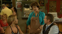 Steph Scully, Lyn Scully, Toadie Rebecchi in Neighbours Episode 5913