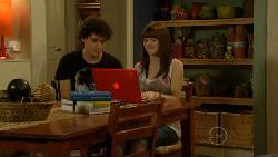 Harry Ramsay, Summer Hoyland in Neighbours Episode 5913
