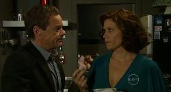 Paul Robinson, Rebecca Napier in Neighbours Episode 5914