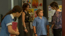 Sophie Ramsay, Libby Kennedy, Callum Jones, Kate Ramsay in Neighbours Episode 5915