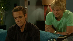 Paul Robinson, Andrew Robinson in Neighbours Episode 5915
