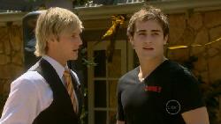 Andrew Robinson, Kyle Canning in Neighbours Episode 5916