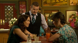 Libby Kennedy, Toadie Rebecchi, Kate Ramsay in Neighbours Episode 5917