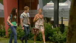 Naomi Lord, Ringo Brown, Donna Freedman in Neighbours Episode 5917