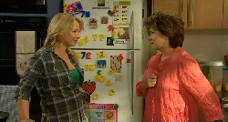 Steph Scully, Lyn Scully in Neighbours Episode 5919