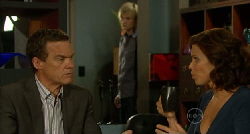Paul Robinson, Andrew Robinson, Rebecca Napier in Neighbours Episode 5921