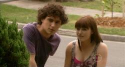 Harry Ramsay, Summer Hoyland in Neighbours Episode 5921