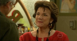 Warwick James, Lyn Scully in Neighbours Episode 5921