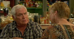 Lou Carpenter, Marsha Peterson in Neighbours Episode 5921