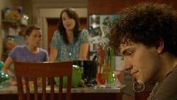 Sophie Ramsay, Kate Ramsay, Harry Ramsay in Neighbours Episode 5923