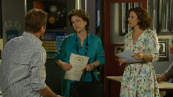 Michael Williams, Lyn Scully, Rebecca Napier in Neighbours Episode 5924