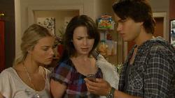 Donna Freedman, Kate Ramsay, Declan Napier in Neighbours Episode 5925