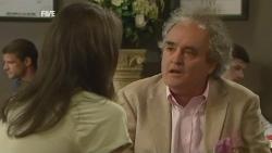 Kate Newton, Terry Kearney in Neighbours Episode 5926