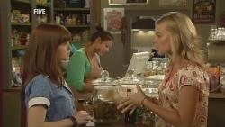Summer Hoyland, Donna Freedman in Neighbours Episode 5926