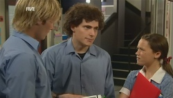 Andrew Robinson, Harry Ramsay, Sophie Ramsay in Neighbours Episode 5926