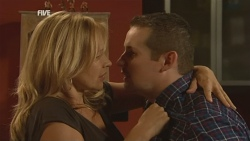 Steph Scully, Toadie Rebecchi in Neighbours Episode 5927