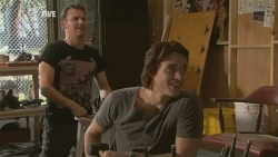 Lucas Fitzgerald, Declan Napier in Neighbours Episode 5928