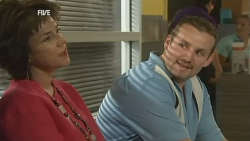 Lyn Scully, Toadie Rebecchi in Neighbours Episode 5928