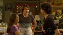 Sophie Ramsay, Declan Napier, Harry Ramsay in Neighbours Episode 5939
