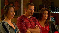 Kate Ramsay, Toadie Rebecchi, Libby Kennedy in Neighbours Episode 5965