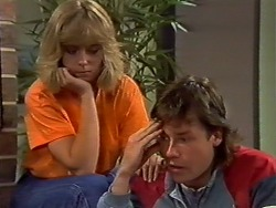 Jane Harris, Mike Young in Neighbours Episode 0438