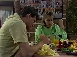 Des Clarke, Daphne Clarke in Neighbours Episode 0438
