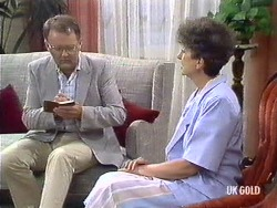 Harold Bishop, Nell Mangel in Neighbours Episode 0439