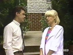 Paul Robinson, Rosemary Daniels in Neighbours Episode 0439