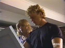 Jane Harris, Henry Mitchell in Neighbours Episode 0439