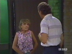 Charlene Mitchell, Jim Robinson in Neighbours Episode 0440
