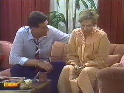 Des Clarke, Eileen Clarke in Neighbours Episode 0670