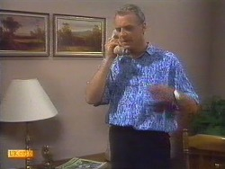 Jim Robinson in Neighbours Episode 0671