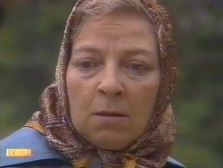 Eileen Clarke in Neighbours Episode 0671
