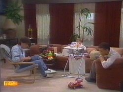 Mike Young, Jamie Clarke, Des Clarke in Neighbours Episode 0671