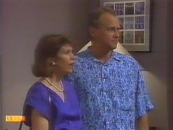 Beverly Robinson, Jim Robinson in Neighbours Episode 0671