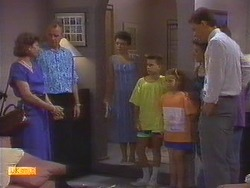 Beverly Marshall, Jim Robinson, Lucy Robinson, Todd Landers, Katie Landers, Gail Robinson, Des Clarke in Neighbours Episode 0671