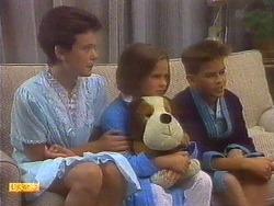 Lucy Robinson, Katie Landers, Todd Landers in Neighbours Episode 0671