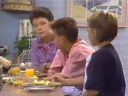 Lucy Robinson, Todd Landers, Katie Landers in Neighbours Episode 0673