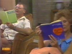 Harold Bishop, Madge Ramsay in Neighbours Episode 0674