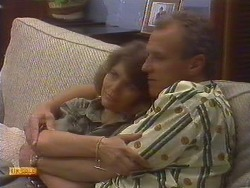 Beverly Marshall, Jim Robinson in Neighbours Episode 0674
