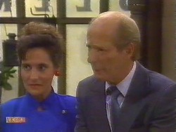 June Clifford, Graham Clifford in Neighbours Episode 0674