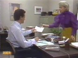Paul Robinson, Helen Daniels in Neighbours Episode 0675
