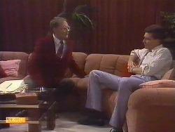 Harold Bishop, Des Clarke in Neighbours Episode 0675