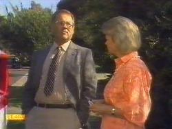 Harold Bishop, Helen Daniels in Neighbours Episode 0675